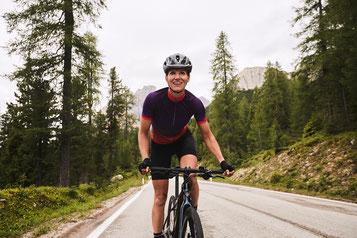 Auspowern in der Natur: e-Mountainbiking fördert Körper und Geist