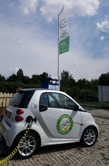 Neues Firmenfahrzeug für die e-motion e-Bike Welt Frankfurt