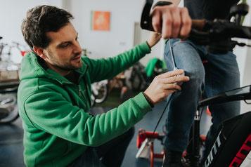 Um am e-Bike Phänomen teilhaben zu können, sollte eine umfangreiche Beratung in der e-motion e-Bike Welt Worms zum Prozess dazugehören