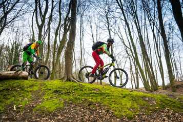 Fahrtechnik-Training für e-Mountainbiker inklusive!