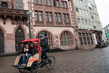 Mit dem Triobike Taxi durch Frankfurt - so macht Sightseeing Spaß