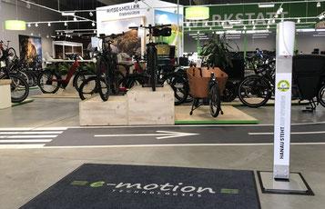 Desinfektionsstation in der e-motion e-Bike Welt Hanau