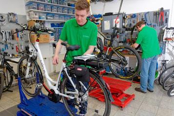 e-Bike Service wird im e-motion e-Bike Premium Shop Hannover groß geschrieben