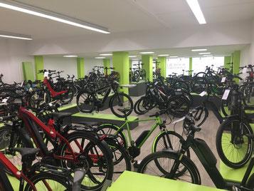 Die ersten e-Bikes treffen in der e-motion e-Bike Welt Münster ein