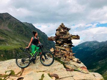 Auch in ihrer Freizeit ist sie am liebsten auf dem e-Bike unterwegs
