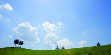 Den Sommer genießen und eine e-Bike Tour buchen
