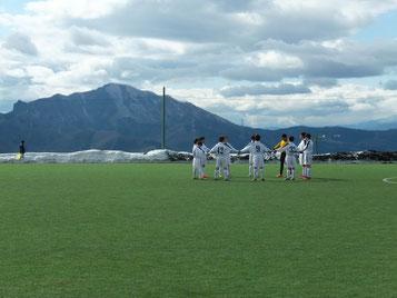 今回のグランドは雲の上のサッカーグランドとの愛称がついています。