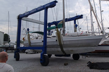 Ovni 44' in preparation before delivery from Annapolis, USA and Arzal, France