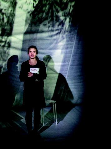 Eine Szene aus dem Theaterstück Das Tagebuch der Anne Frank