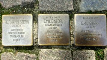 Drei Stolpersteine