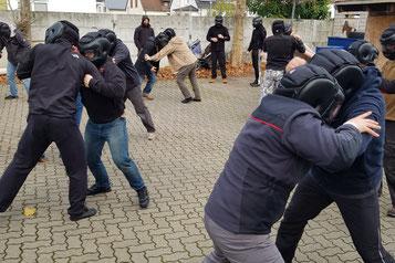 Krav Maga Combatives Hanau - Training für Selbstschutz, Selbstverteididung, Kampfsport und Fitness in Erlensee