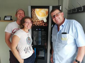Hier bei der Inbetriebnahme GF Josef Möseneder mit Michael & Martina Pauzenberger