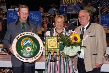 v.l.: Herbert Stahl, 1. SM Annelie Stahl, 1. LSM Wolfgang Kink