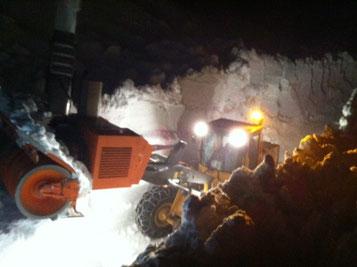 Schneefräse bei der Arbeit. Foto: Edelbert Strolz