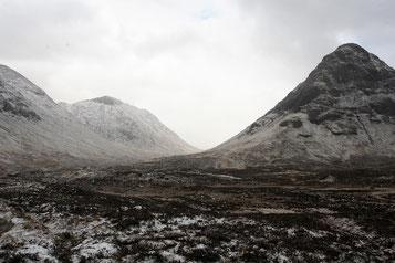 Highlands mit Schnee überzogen