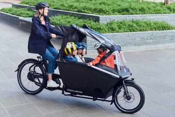 Das einspurige Lasten e-Bike Urban Arrow Family