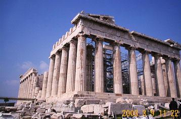 アテネのパルテノン神殿(紀元前5世紀に造られ、女神アテナに捧げられた)