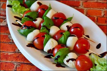 huiles et olives - tomates mozzarella