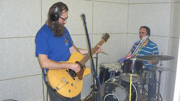 Bild:Schlagzeug,Gitarre,Mark Hess,David Brandenberger,d-t-b,