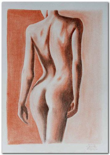 Zeichnung mit Rötelstift einer Rückenansicht einer Frau.