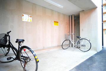 バイク・自転車置場