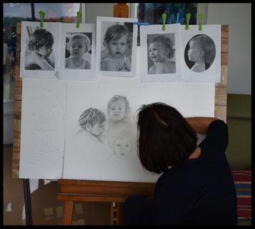 Beim Arbeiten an einer Portrait-Studie in Graphit -2017