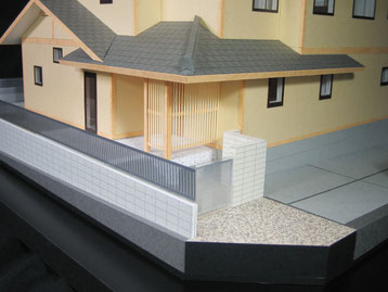 和風の住宅模型「玄関周り」