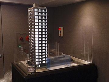 1/60マンション模型(電飾付き)
