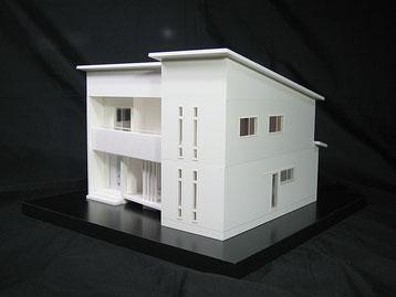 屋根を差し替えられる住宅模型