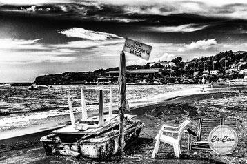 Sicile, sicilia, trinacria, lipari, vulcano, bateau, art, beatles, catania, italie, art, travel, love, amour, noir et blanc, black and white, street photography, carcam, je shoote