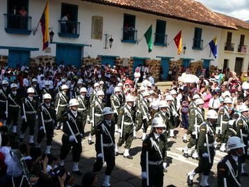 Desfile 4 de Agosto 2016 Despierta Charalá
