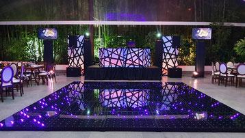 montaje de dj para bodas iluminación en color Ocre, Casa de las Campanas