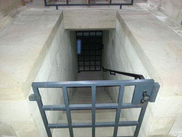 Eingang zum Kellerschacht