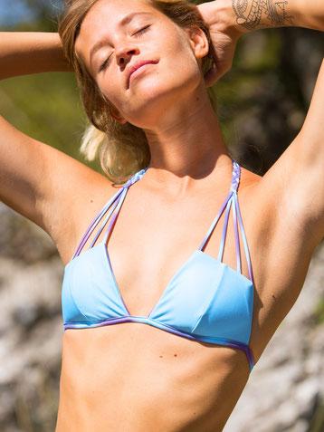 Blue Obsession wenbares Bikinioberteil von Alpikini