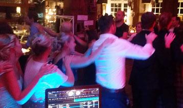 DJ plus Saxophonist,DJandFriends,Hochzeit,Geburtstag,Saxophon, Saxophonist, DJ, NRW, Köln Düsseldorf Ratingen Haan Wuppertal Essen Hattingen Bochum Gruiten Recklinghausen Münster Lüdenscheid