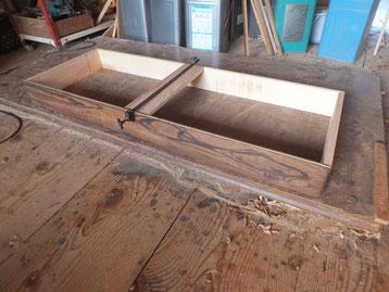台輪の黒檀単板が弓反りの為、作り直しましたが反りは取り切れません。