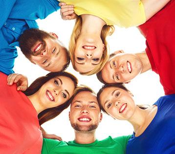 Gruppe macht Ausbildung Lichtarbeit IV in Yogaschule Schulungszentrum Heilpraxis Voglreiter Bad Reichenhall