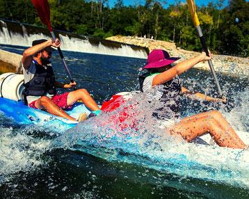 Descente de l'Ardèche en canoë ou kayak sur plusieurs jours avec bidons au départ de vallon pont d'arc