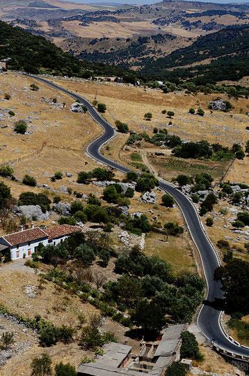 Mathieu Guillochon photographe, sur la route,villages blancs, montagne, couleurs, espagne, Andalousie, route, virages