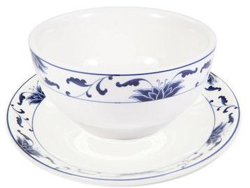 Reisschale mit abgerundetem Rand aus Tatung, Li, Cameo oder Datung Porzellan mit blauem Lotus Motiv (Motivnr. 518 / 255). In verschiedenen Größen und Motiven erhältlich.