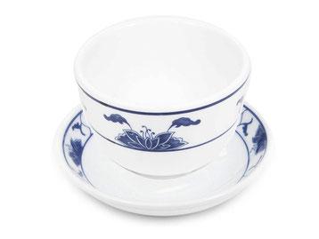 Teetasse mit Untertasse aus Tatung, Li, Cameo oder Datung Porzellan mit blauem Lotus Motiv (Motivnr. 518 / 255). In verschiedenen Größen und Motiven erhältlich.