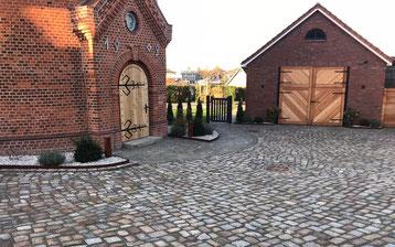 Pflasterarbeiten Eingangsbereich Innenhof T-Haacks Erd- und Tiefbau