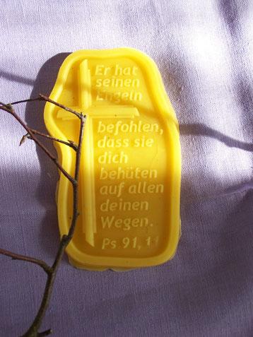 купить оберег в Германии, обереги, талисманы, амулеты, выливание воском Германия, обережная магия Германия, купить талисман на заказ у мага в Германии, купить оберег у мага в Германии, магическая защита от мага в Германии,  белый маг в Германии Natalie De