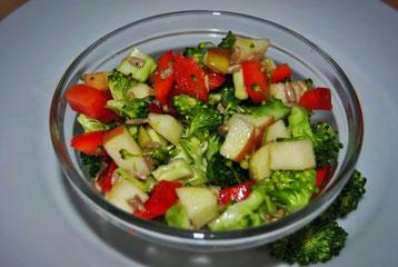 Detox Rezept: Brokkoli-Apfel-Salat
