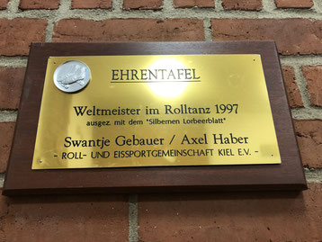 Ehrentafel Weltmeister Rolltanz 1997, REG Kiel e.V. - Swantje Gebauer und Axel Haber