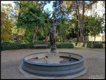 Fuente del Palacete Modernista del 1900 de Monforte en Valencia.