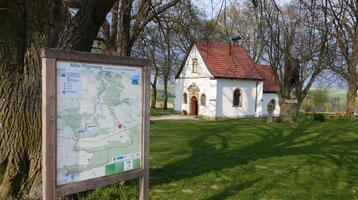 """Die uralte Kapelle """"Zur Hilligen Seele"""" liegt unmittelbar am """"Alten Pilgerweg"""". © Tourist Information Paderborn"""
