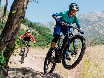 Die besten Frauen eMTBs e-Mountainbikes 2021