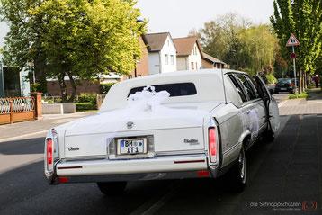 Hochzeit: Stretch-Limousine in weiß