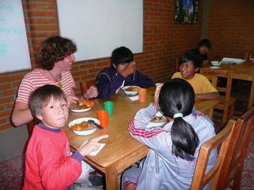 Im Casa de los amigos erhalten die Kinder eine Grundversorgung.
